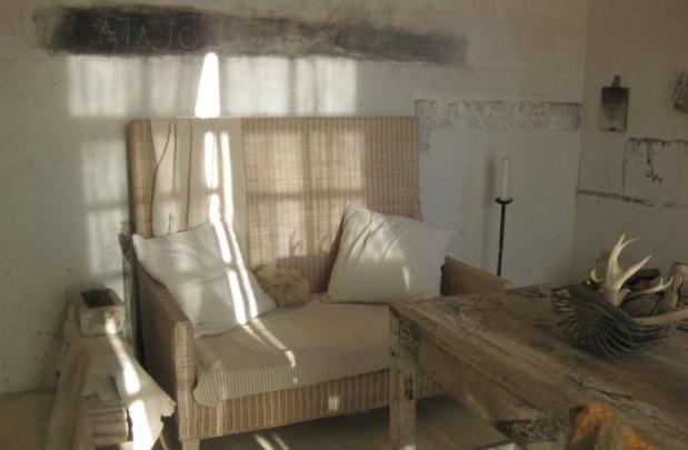 700_patricia-larsen-sofa
