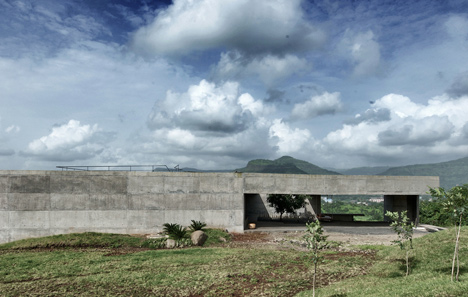 dezeen_Khopoli-House-by-Spasm-Design-Architects_110
