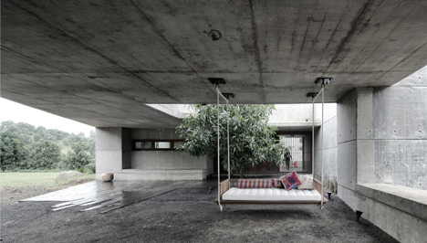 dezeen_Khopoli-House-by-Spasm-Design-Architects_51