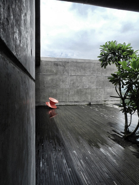 dezeen_Khopoli-House-by-Spasm-Design-Architects_71