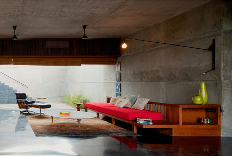 dezeen_Khopoli-House-by-Spasm-Design-Architects_81