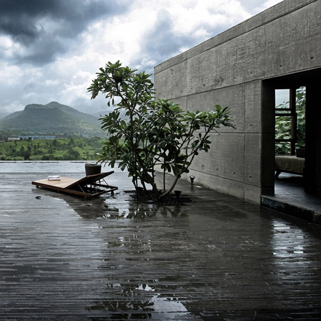 dezeen_Khopoli-House-by-Spasm-Design-Architects_sq