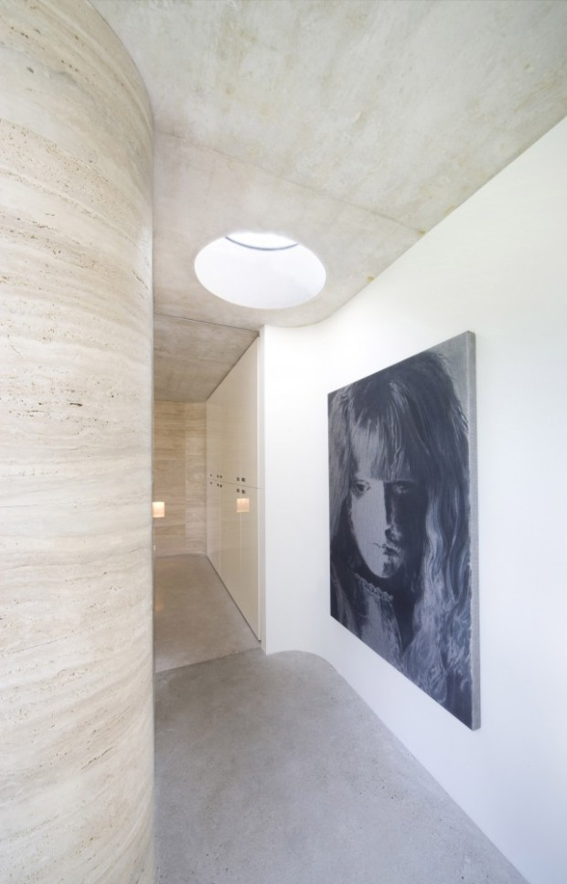 5244fa90e8e44e67bf0001a4_house-iv-de-bever-architecten_de_bever_architecten__house_iv__corridor__round_skylight-641x1000