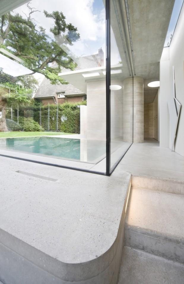 5244faa4e8e44eff020001ca_house-iv-de-bever-architecten_de_bever_architecten__house_iv__corridor_stair_detail-648x1000