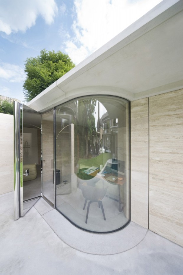5244fba0e8e44eff020001cc_house-iv-de-bever-architecten_de_bever_architecten__house_iv__glazed_round_wall-666x1000