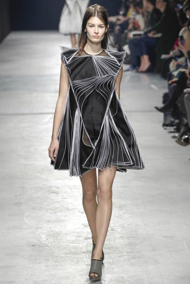 christopher-kane-fall-winter-2014-show54